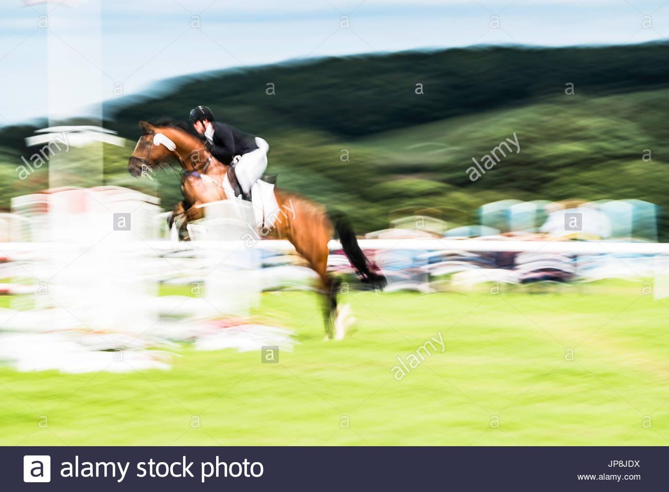 Burgham, Morpeth, Northumberland, UK. 28/29. Juli 2017. Vielseitigkeitsreiter konkurrieren auf Burgham International Stockbild
