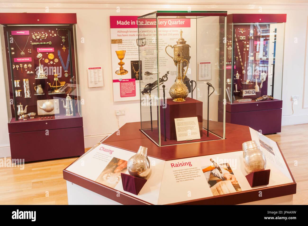 Jewellery Quarter, Museum des Quartier Schmuck, Birmingham, West Midlands, England Anzeige von historischen Silberwaren Stockbild