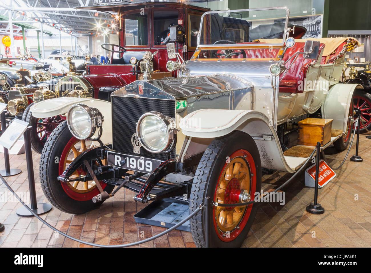 England, Hampshire, New Forest, Beaulieu, The National Motor Museum, Ausstellung von Oldtimer Rolls Royce Silver Ghost datiert 1909 Stockbild