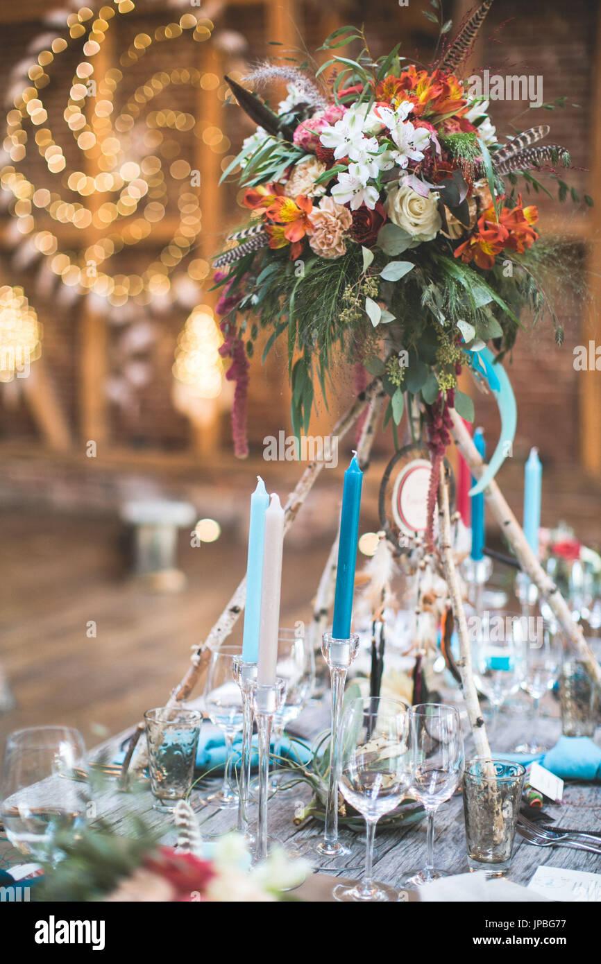 Hochzeitsfeier In Einer Scheune Indische Hochzeit Tischdekoration