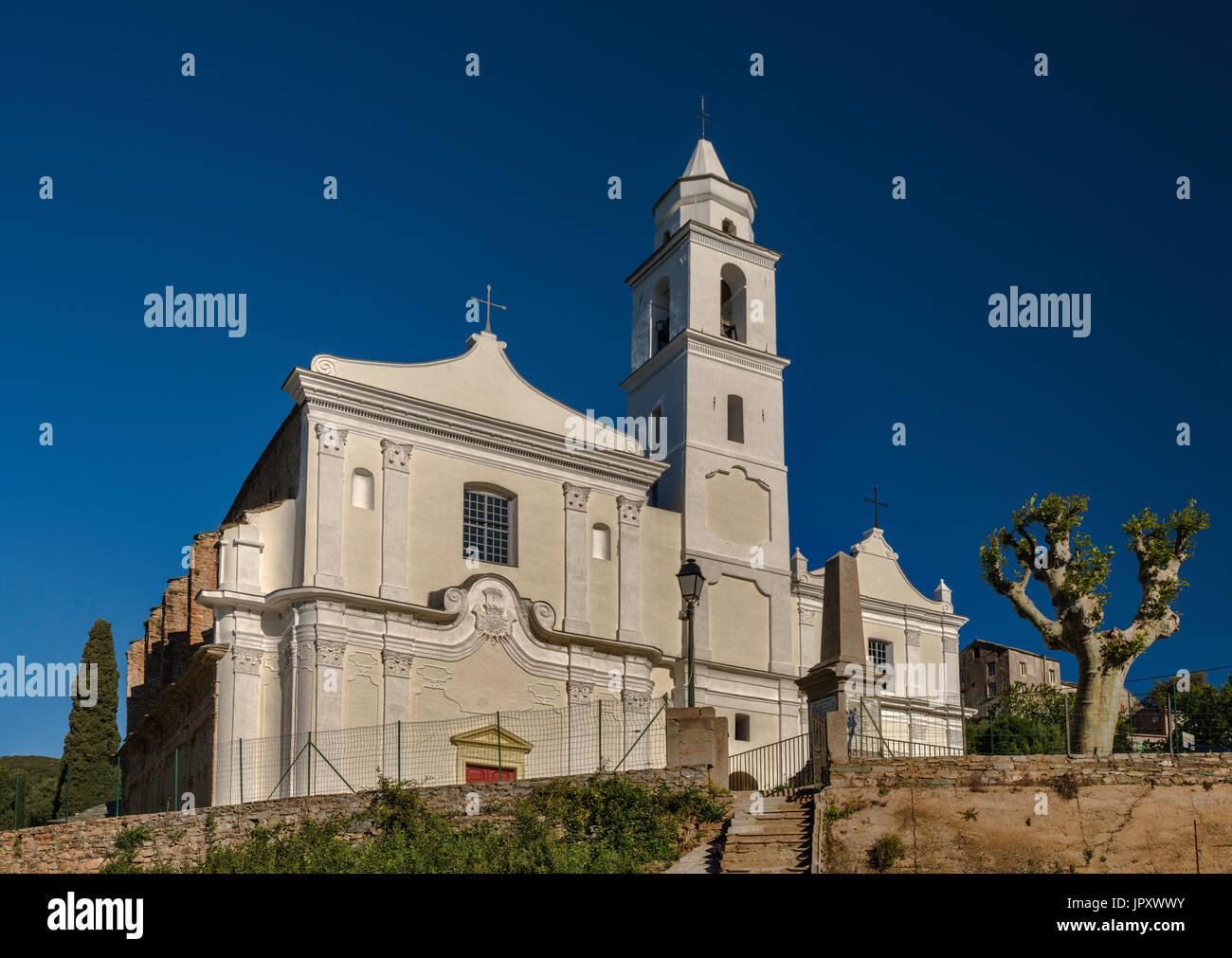 San Giovanni Evangelista Kirche, 16. Jahrhundert, im Hang Dorf von Santo-Pietro-di-Tenda, Nebbio Region, Haute-Corse, Korsika, Frankreich Stockbild