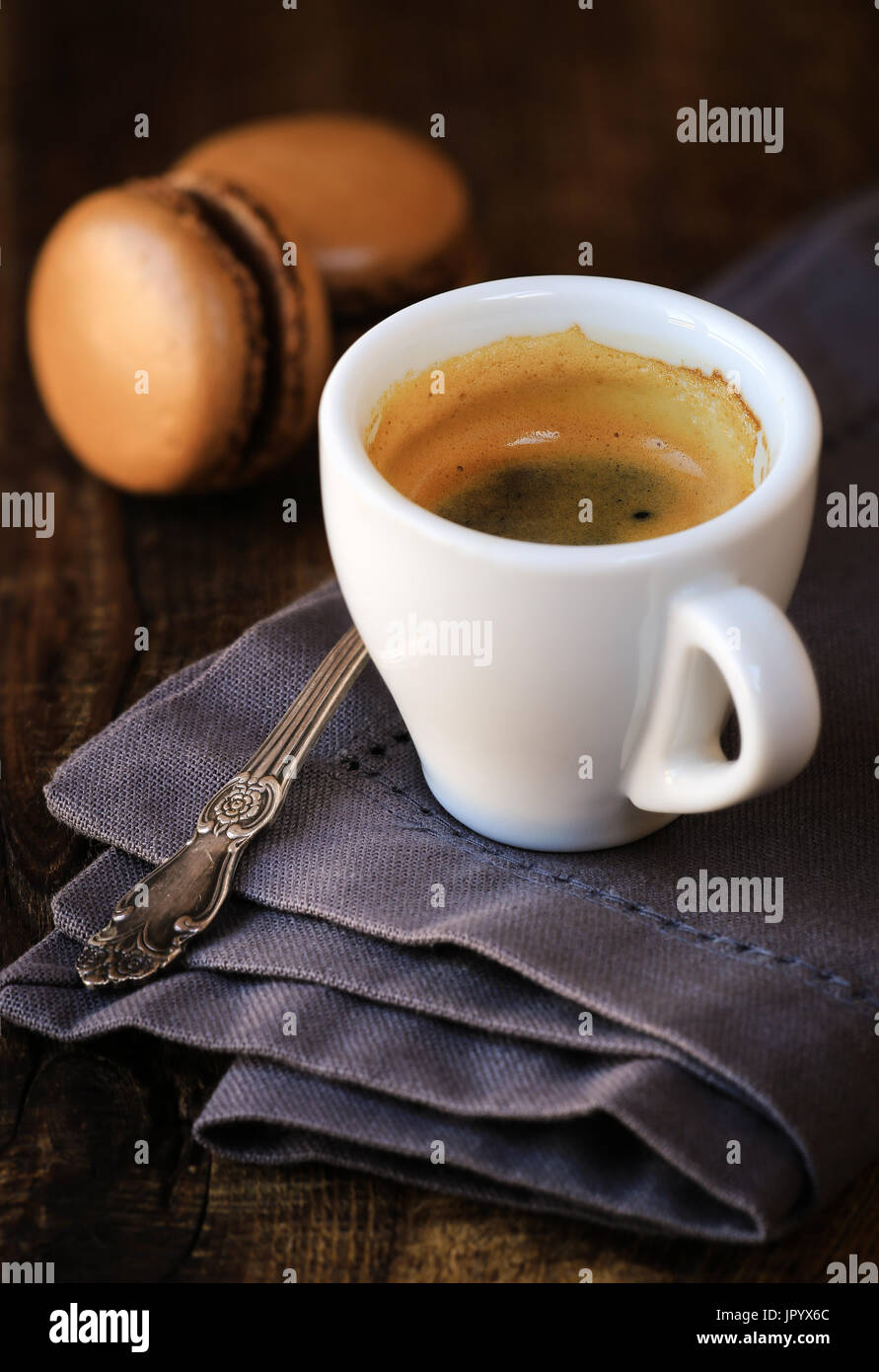 Espresso Kaffeemaschine Mit Schokoladen Makronen Auf Den