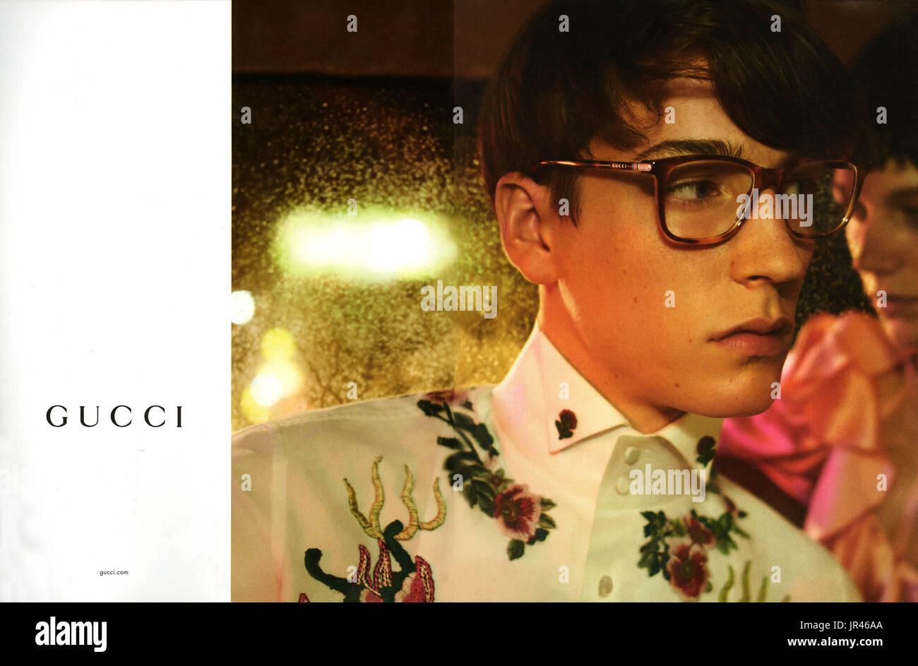 efc0b6e97401 2010er Jahre UK Gucci Magazin Anzeige Stockfoto, Bild  151912834 - Alamy