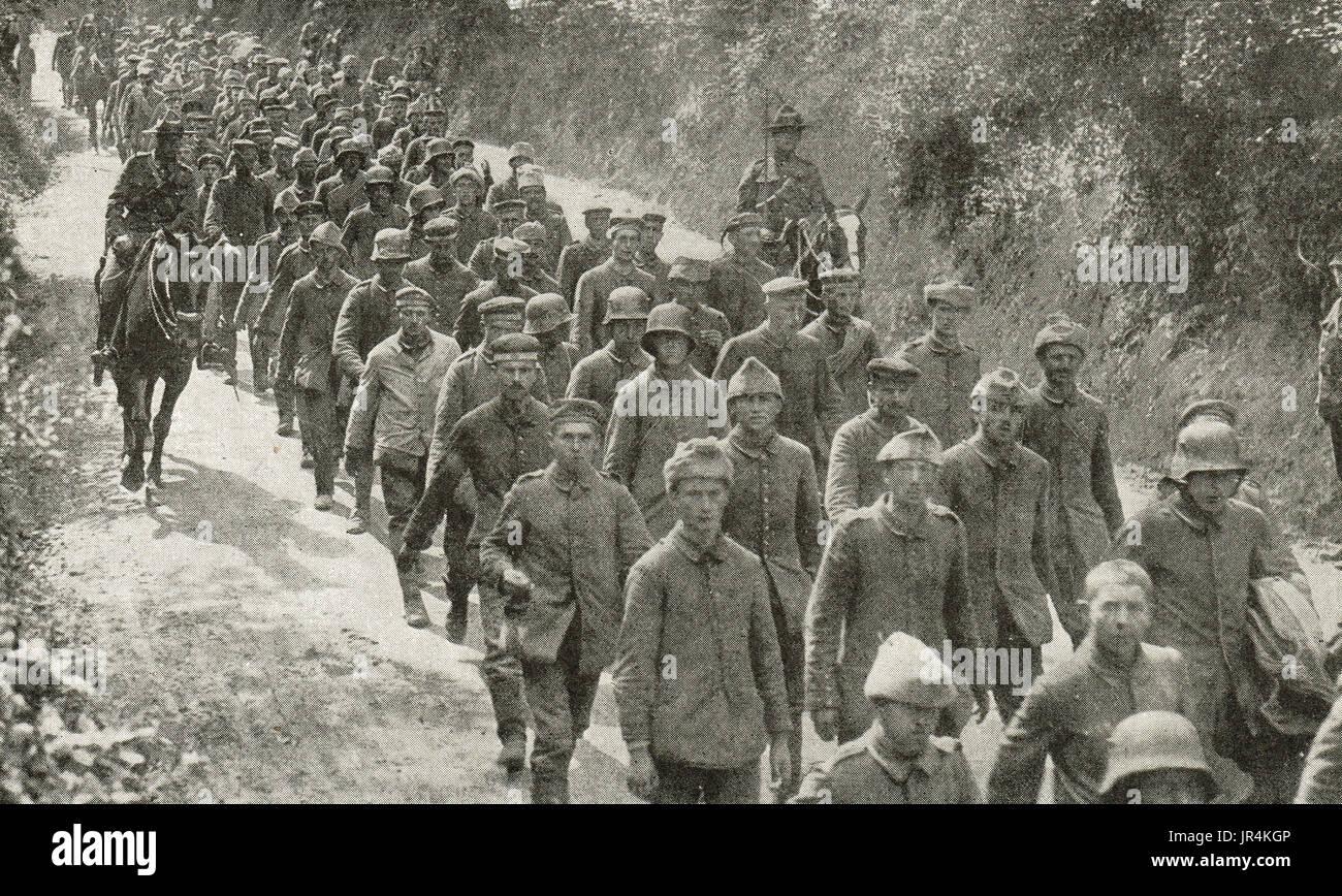 Deutsche Soldaten gefangen genommen am Hügel 70, WW1 Stockbild
