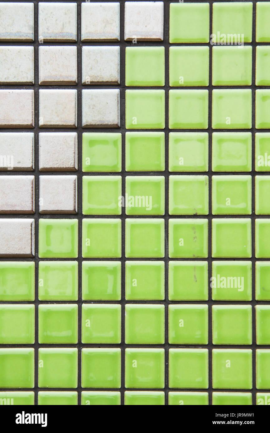 Grün Und Golden Braun Mosaik Fliese Struktur Wand Closeup Stockbild