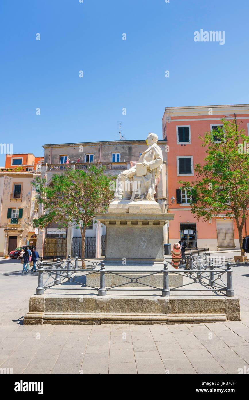 Sassari piazza Sardinien, Statue der Richter und der Historiker Pasquale Tola stationiert, in der Piazza Tola in Sassari, Sardinien. Stockbild