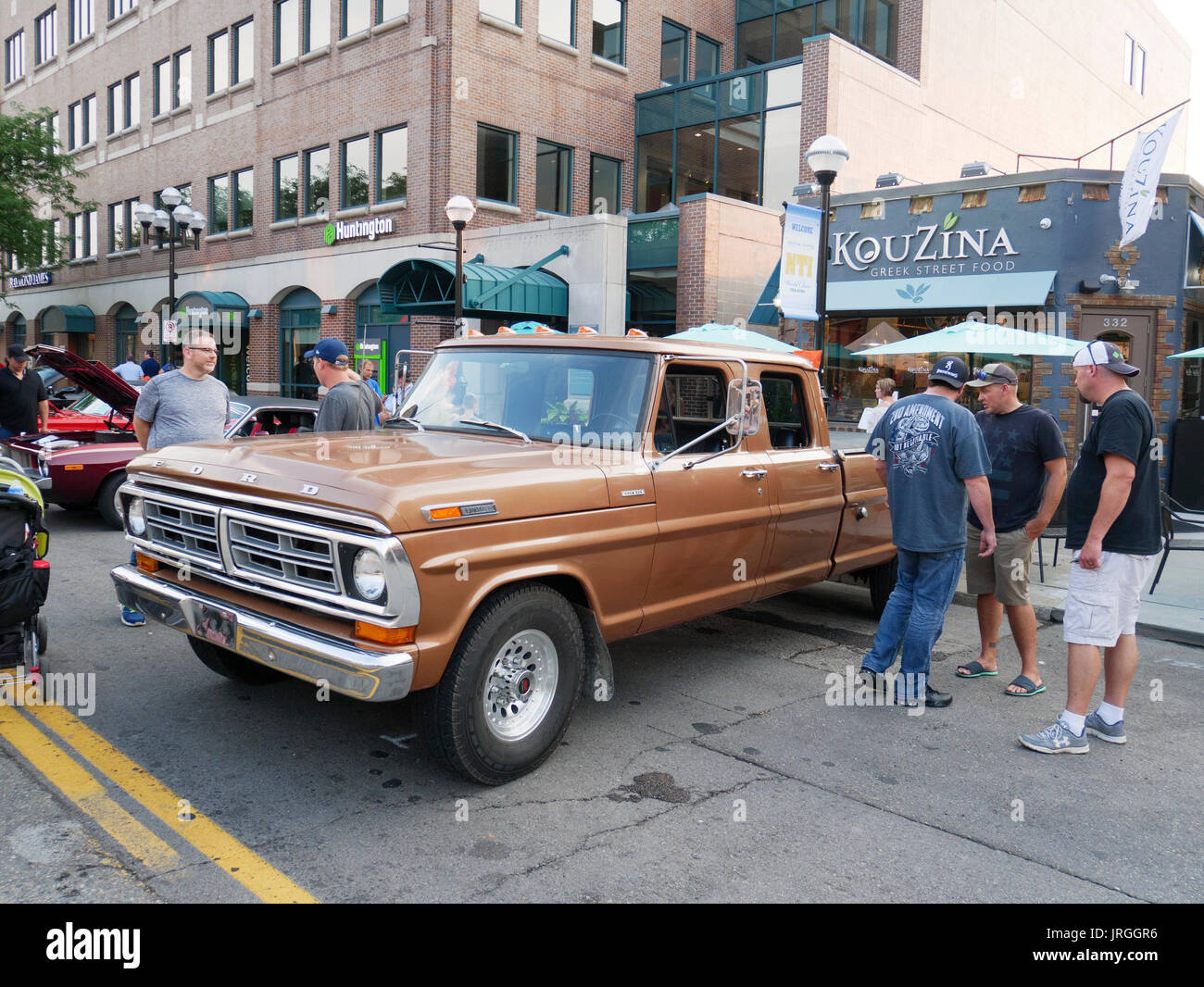 Ford F350 Stockfotos Bilder Alamy 1964 Crew Cab 1972 Vintage F 350 Pickup Truck Stockbild