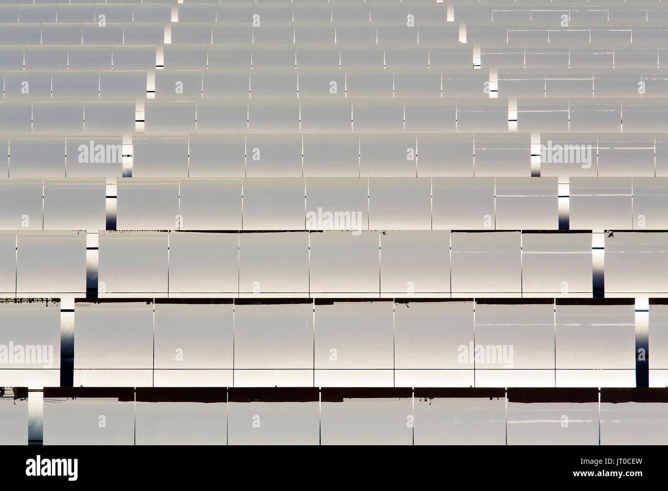 Thermische Solaranlagen nachhaltige Energie, Noor Ouarzazate Concentrated Solar Power Station Komplex. Marokko, Maghreb Nordafrika Stockbild