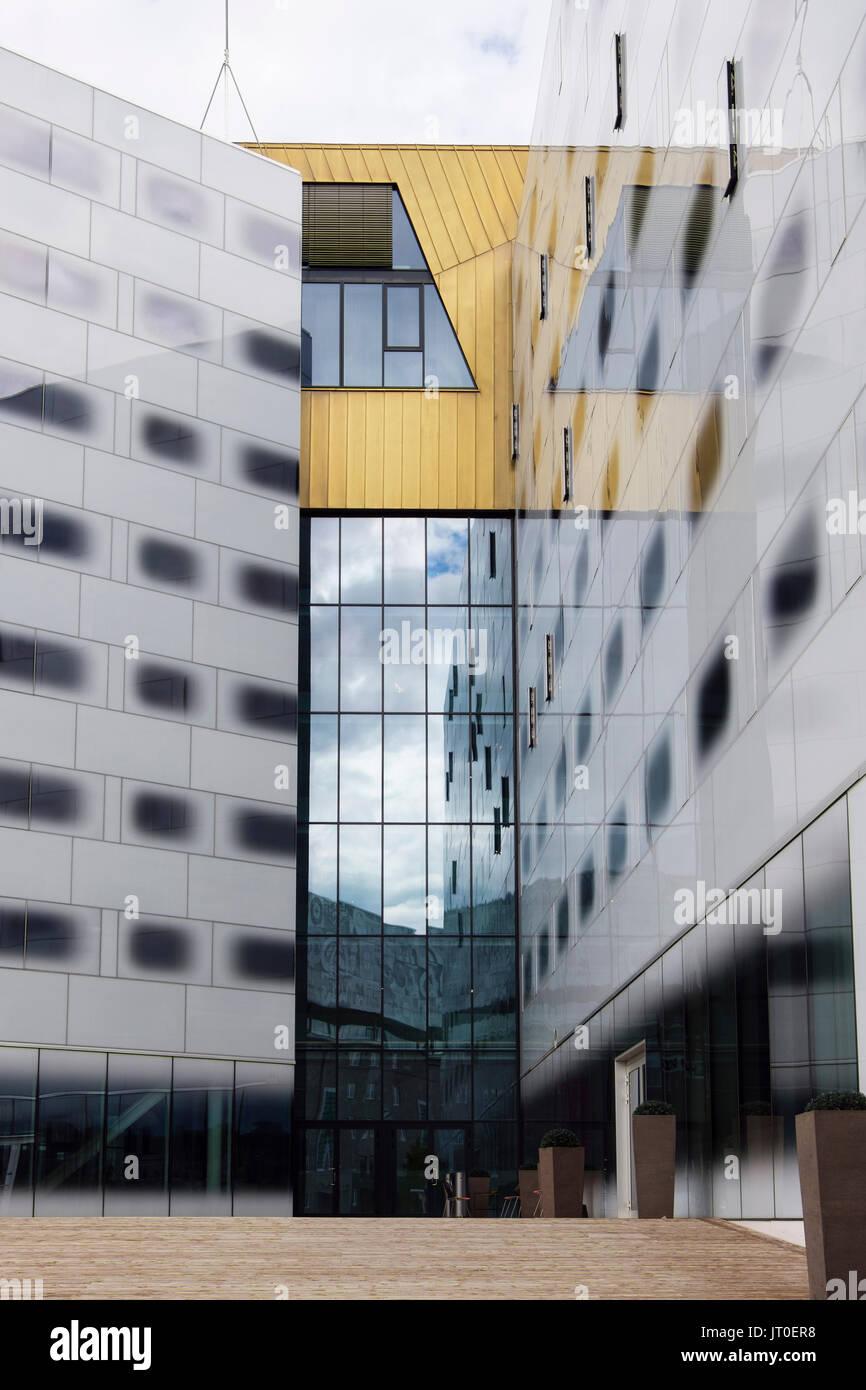Zeitgenössische Architektur auf Clarion Hotel und Kongresszentrum ...