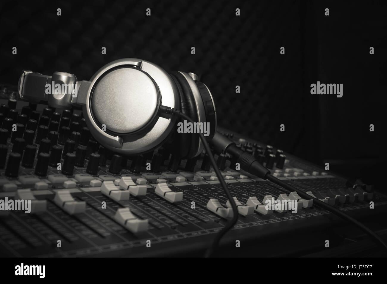 Disc_jockey Stockfotos & Disc_jockey Bilder - Seite 32 - Alamy