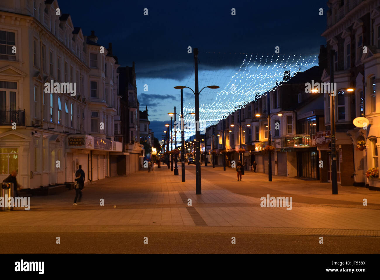 Die Euston Road Fußgängerzone und Einkaufsstraße, in der Nacht, Great Yarmouth, Norfolk, Großbritannien Stockbild