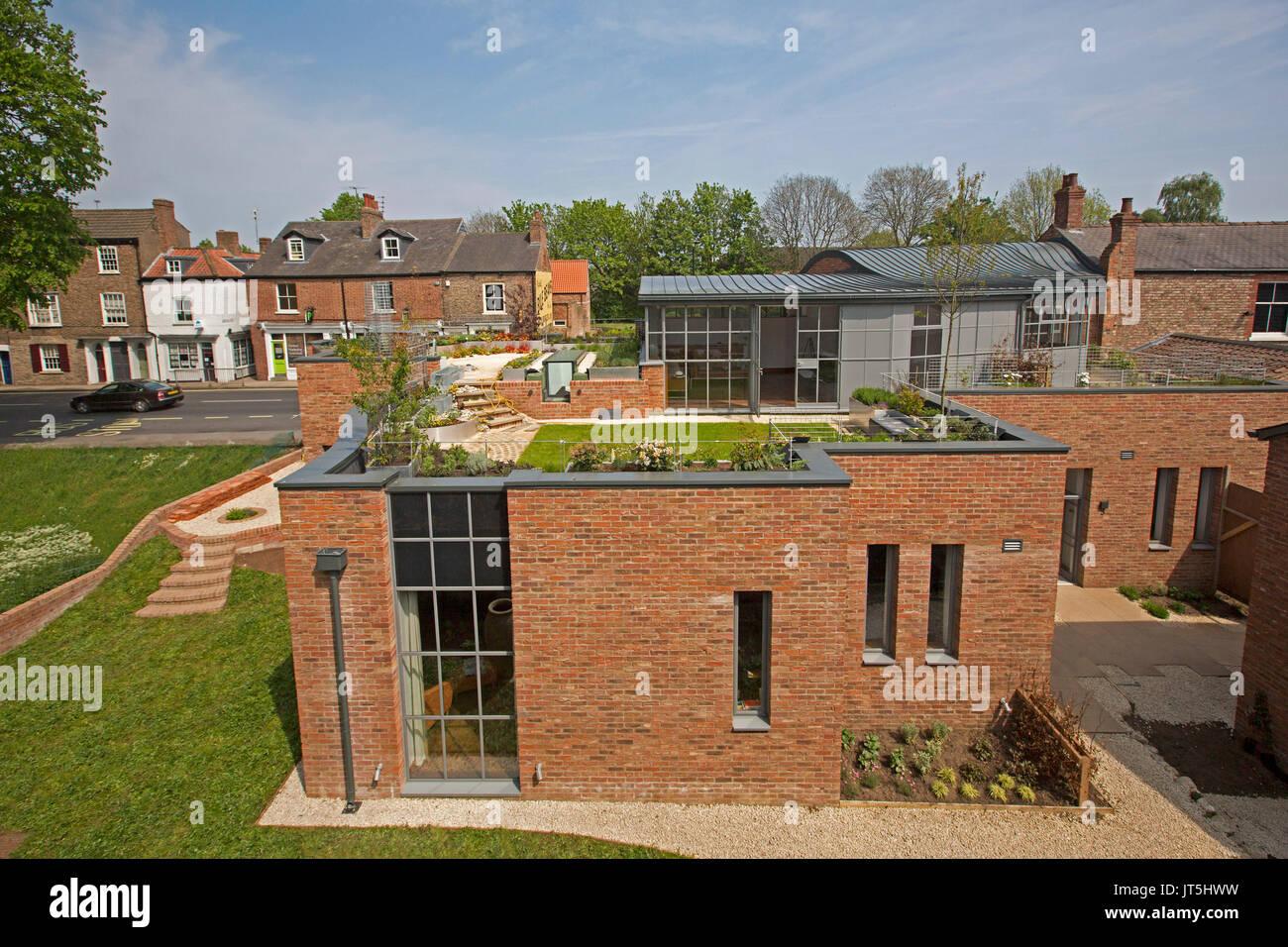 Aus Rotem Backstein Haus Mit Dachterrasse In York England Stockfoto