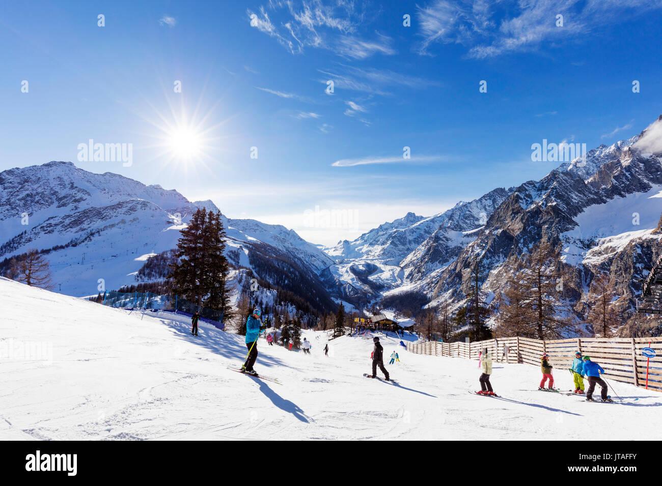 Skigebiet Courmayeur, Aosta-Tal, Italienische Alpen, Italien, Europa Stockbild