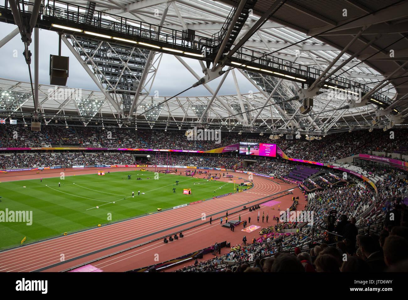 Goldmedaille Präsentation auf der London Stadion in Stratford, London 2017 IAAF Leichtathletik Weltmeisterschaft Stockbild
