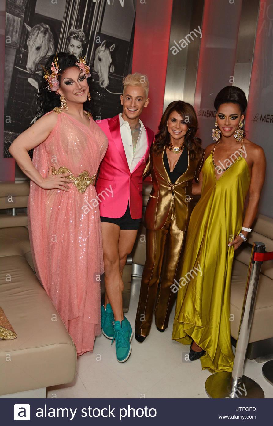 Paula Abdul (Tragen von Gucci Kleid und Lanvin Halskette) mit ...