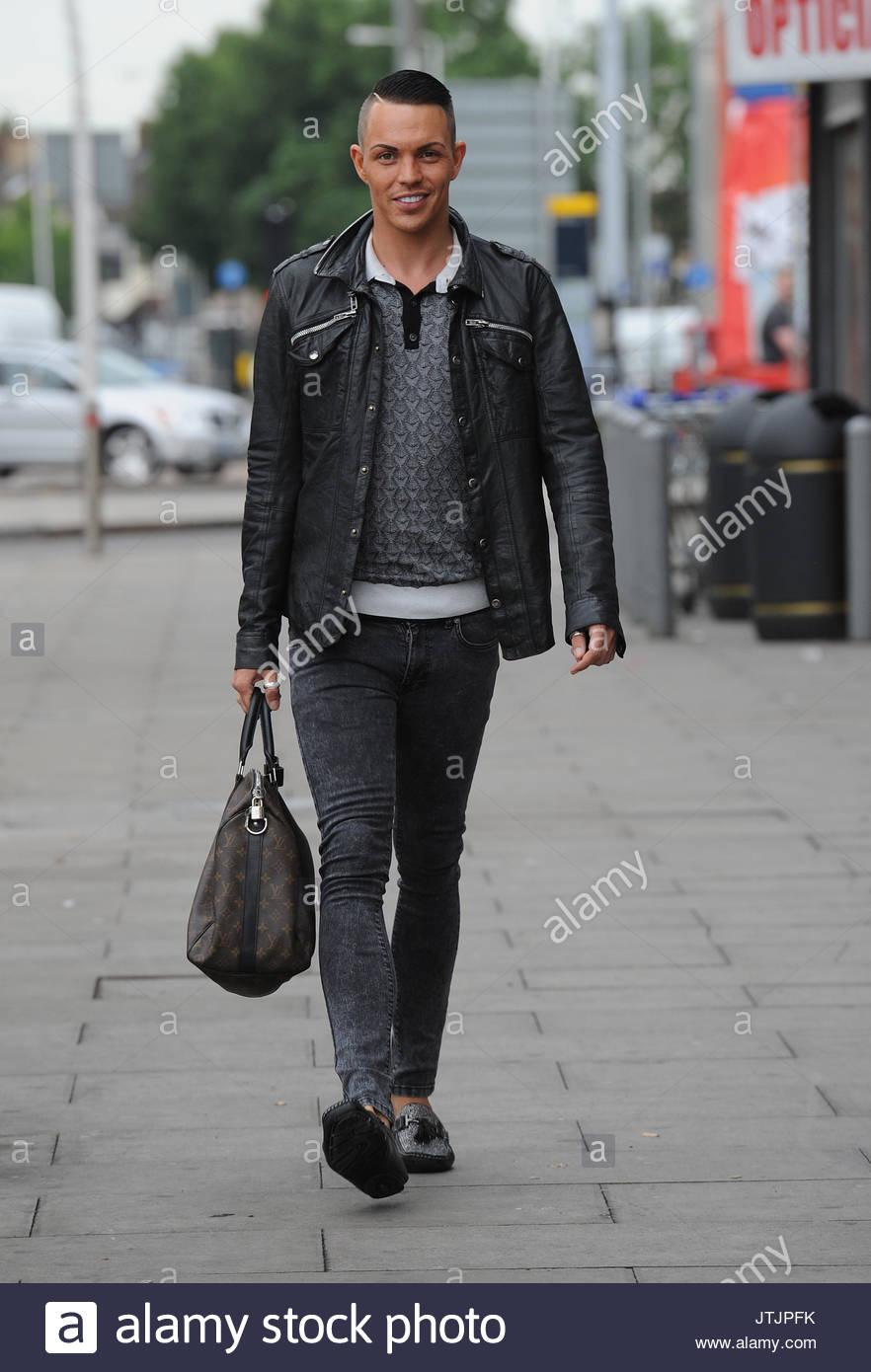 Bobby Norris. TOWIE Film an Gesichter Nachtclub in Essex. Vas J ...