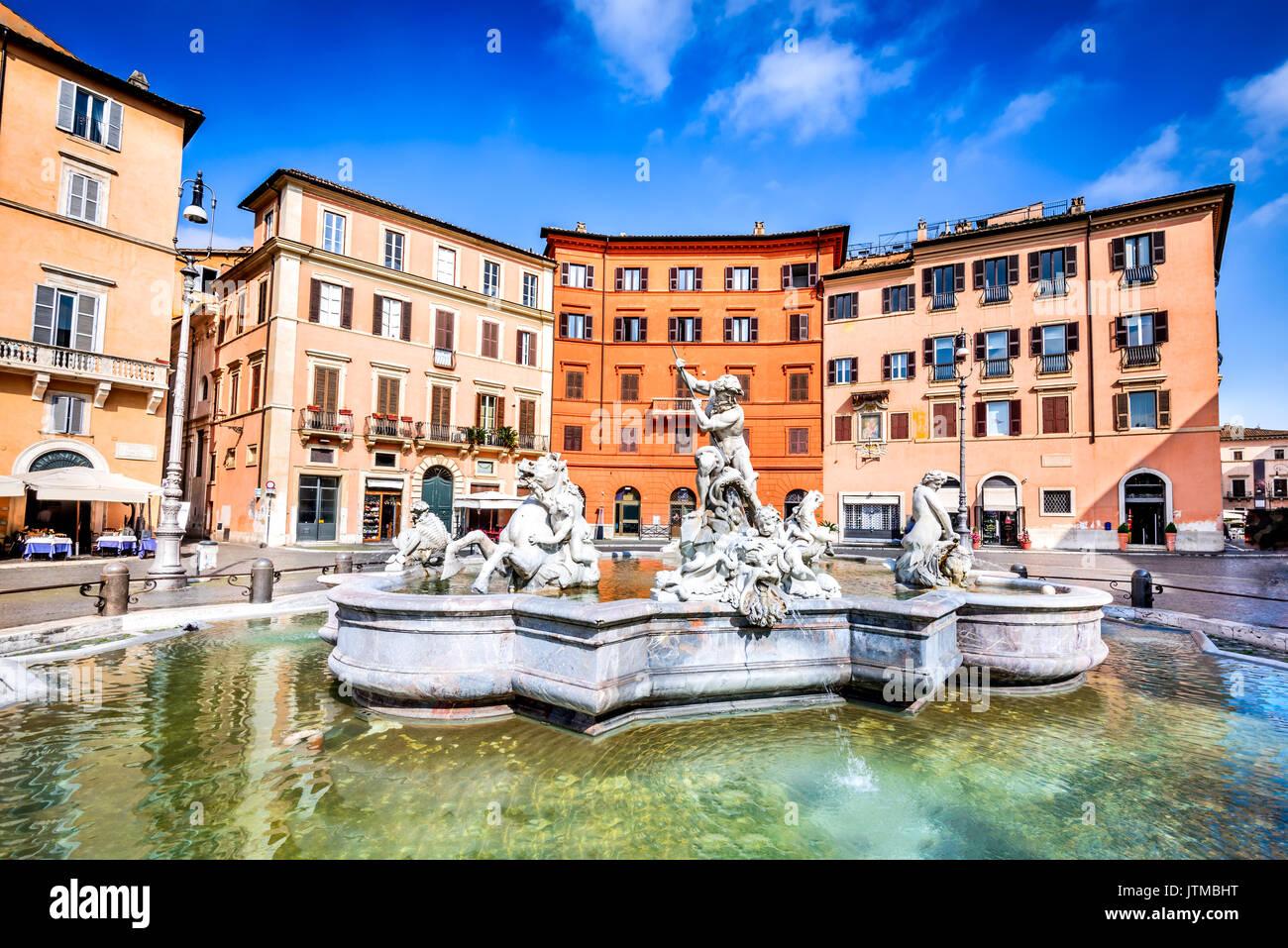 Rom, Italien, Piazza Navona und dem Neptunbrunnen von 1576 mit seinem Dreizack kämpfen. Stockbild