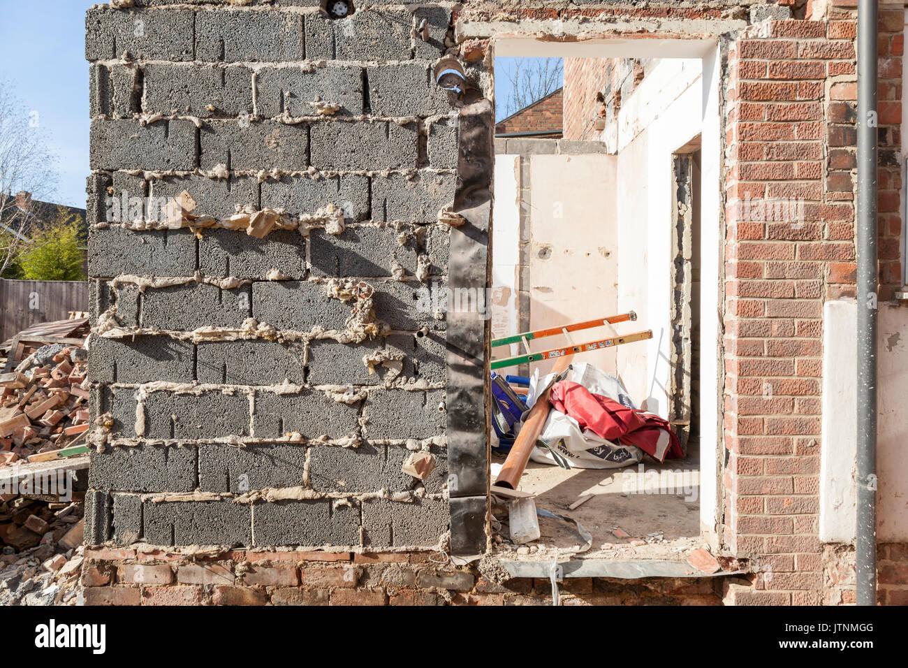 Schlechte Gebäude Die Arbeiten Für Den Bau Eines Hauses Erweiterung,  England, Großbritannien
