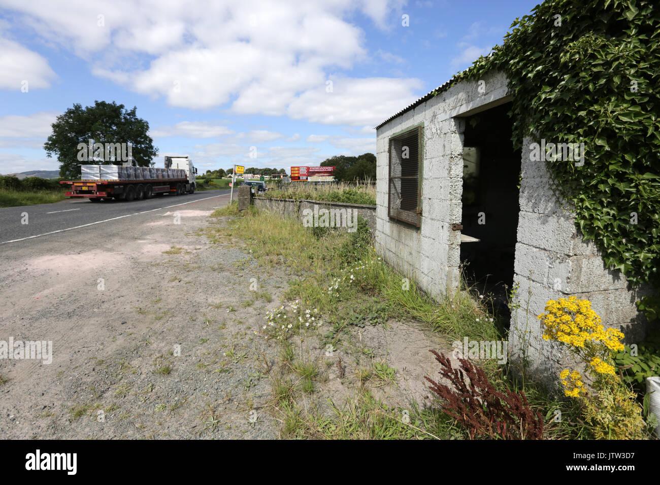 Newry nordirland august eine verlassene grenze hütte