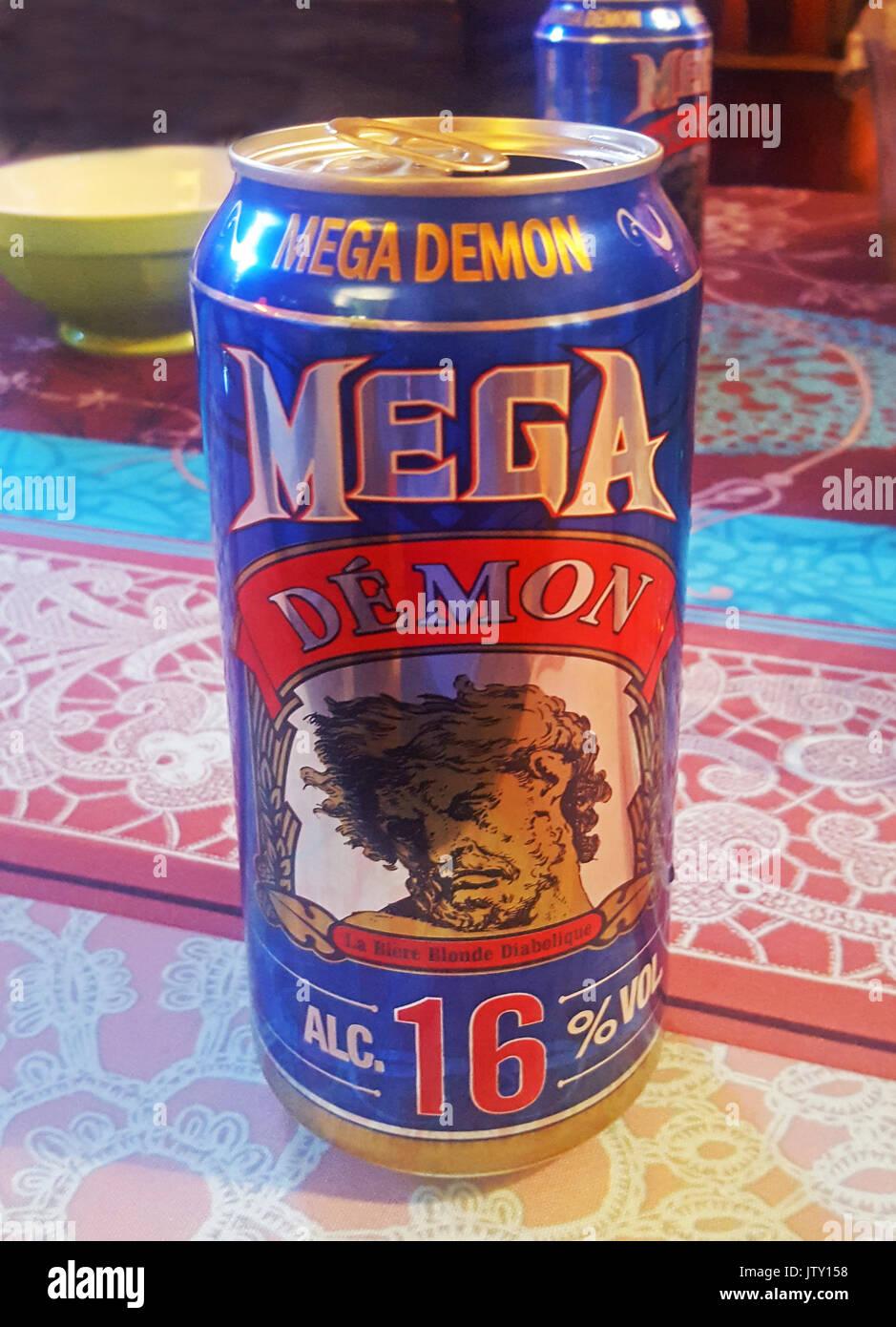 Mega Dämon bei 16 VOL.-% eine der stärksten Dosen Bier in der Welt. Durch Les Brassseurs De Gayant (Saitnt Omer) in Douai, Frankreich gebraut. Stockbild