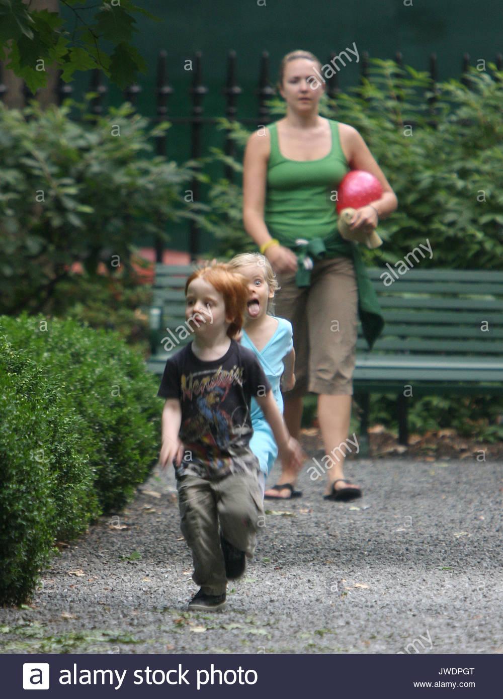 Hazel und Phinnaeus Moder. Alle von Julia Roberts\' Kinder haben ein ...