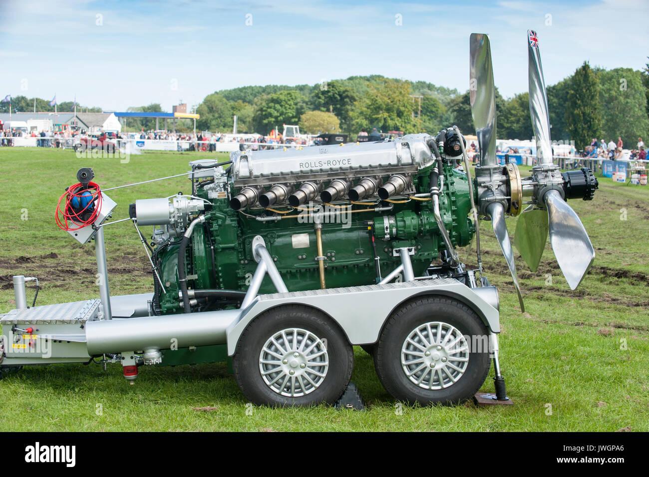 Der Rolls Royce Griffon Ist Ein Britisches 37 Liter 2240 Cu In