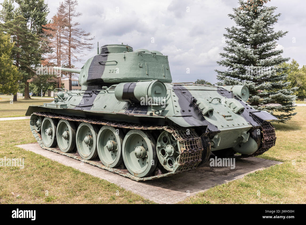 world war 2 tank stockfotos world war 2 tank bilder alamy. Black Bedroom Furniture Sets. Home Design Ideas