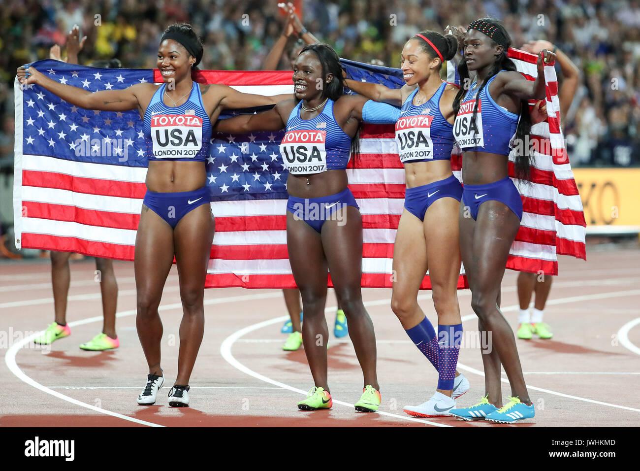 Team USA feiern ihren Sieg in der 4x100 m Staffel der Frauen am Tag neun der IAAF London 2017 Weltmeisterschaften am London Stadion. © Paul Davey. Stockbild