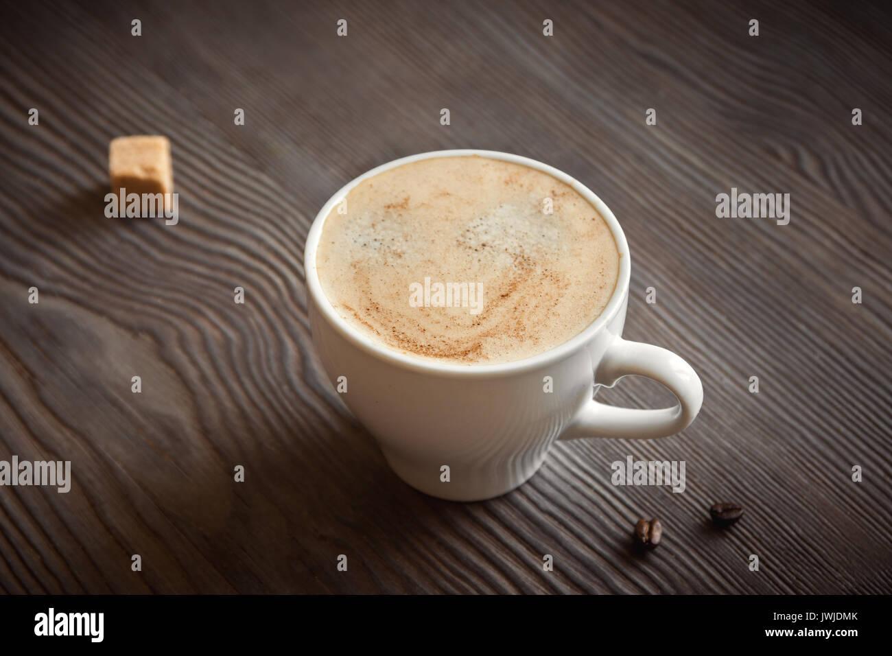 Tasse Kaffee Mit Zimt Brauner Zucker Und Kaffeebohnen Cappuccino