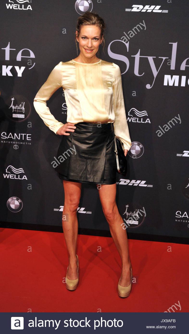 Lisa martinek mercedes benz fashion week stockfotos lisa martinek mercedes benz fashion week Good style fashion show cleveland 2014