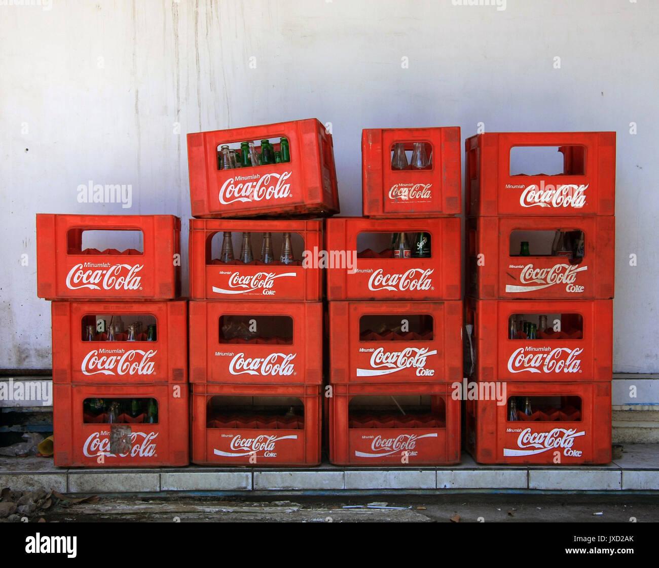 Schön Glaskühlschrank Coca Cola Galerie - Die Designideen für ...