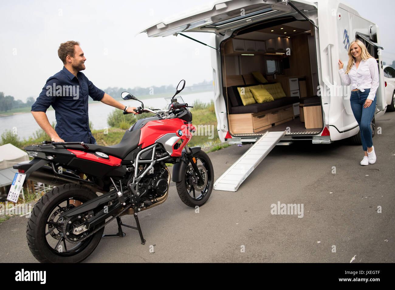 trade caravan stockfotos trade caravan bilder alamy. Black Bedroom Furniture Sets. Home Design Ideas