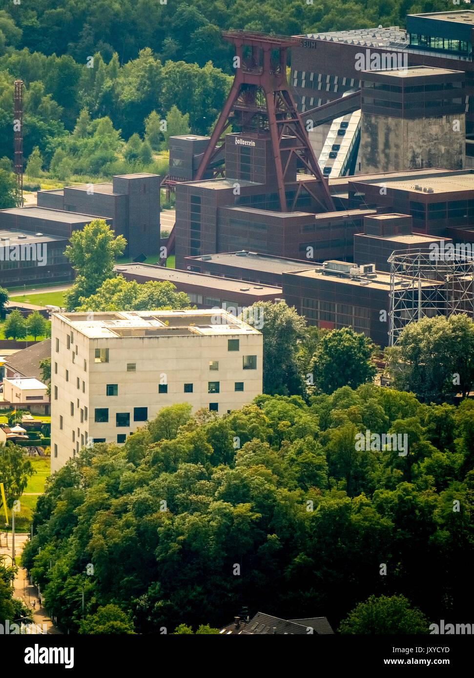 Folkwang Universität der Künste - SANAA - Berndorf, Zollverein-Kubus, Areal Weltkulturerbe Zollverein Stockbild