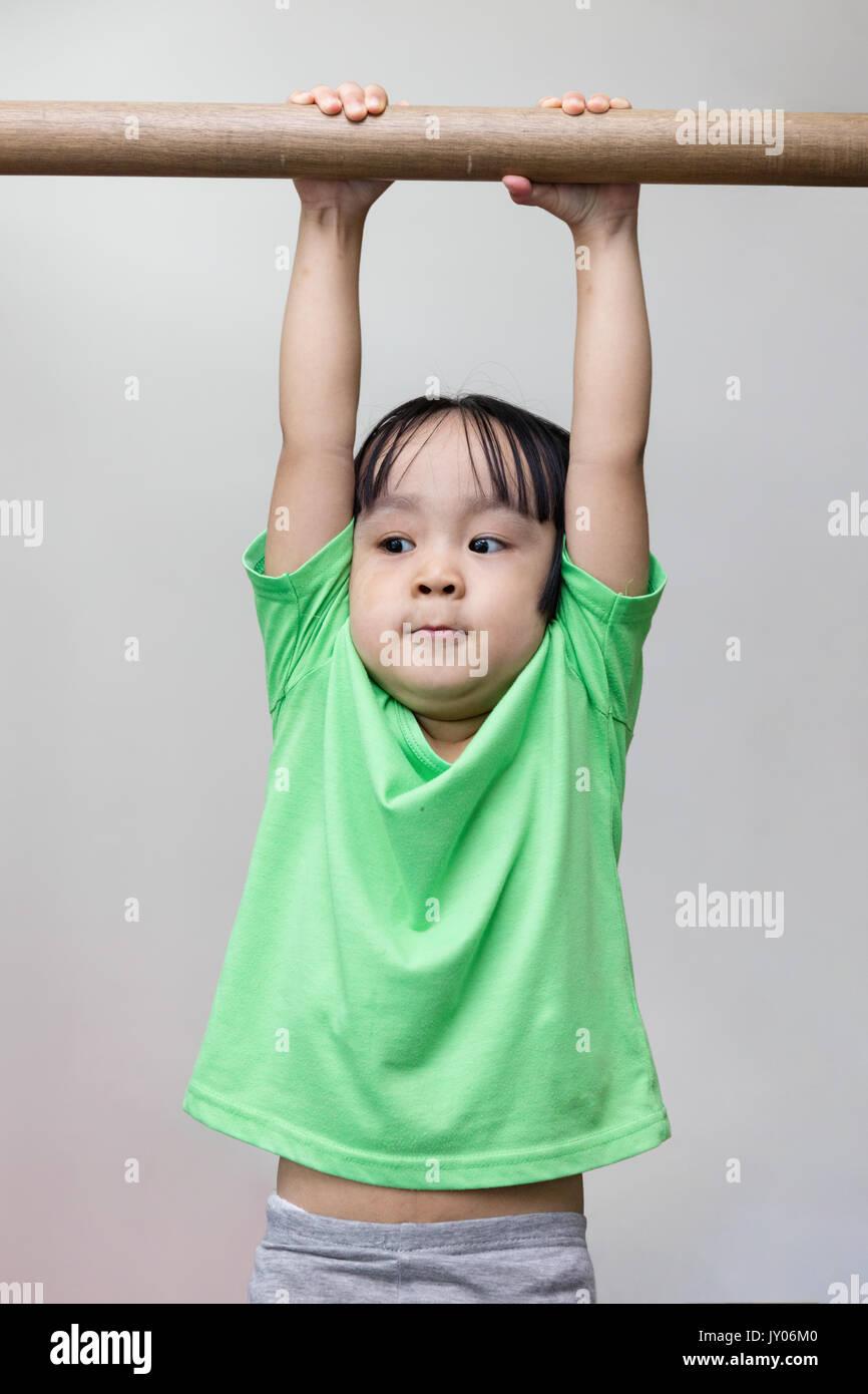 Weißer mann asiatische mädchen aus