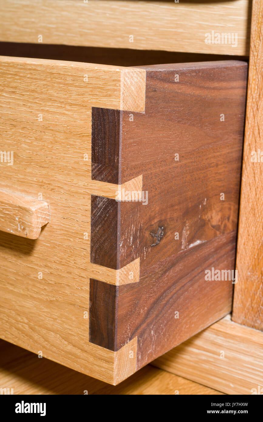 holz schwalbenschwanzf hrung gemeinsame eiche schublade die zimmerleute f higkeiten. Black Bedroom Furniture Sets. Home Design Ideas