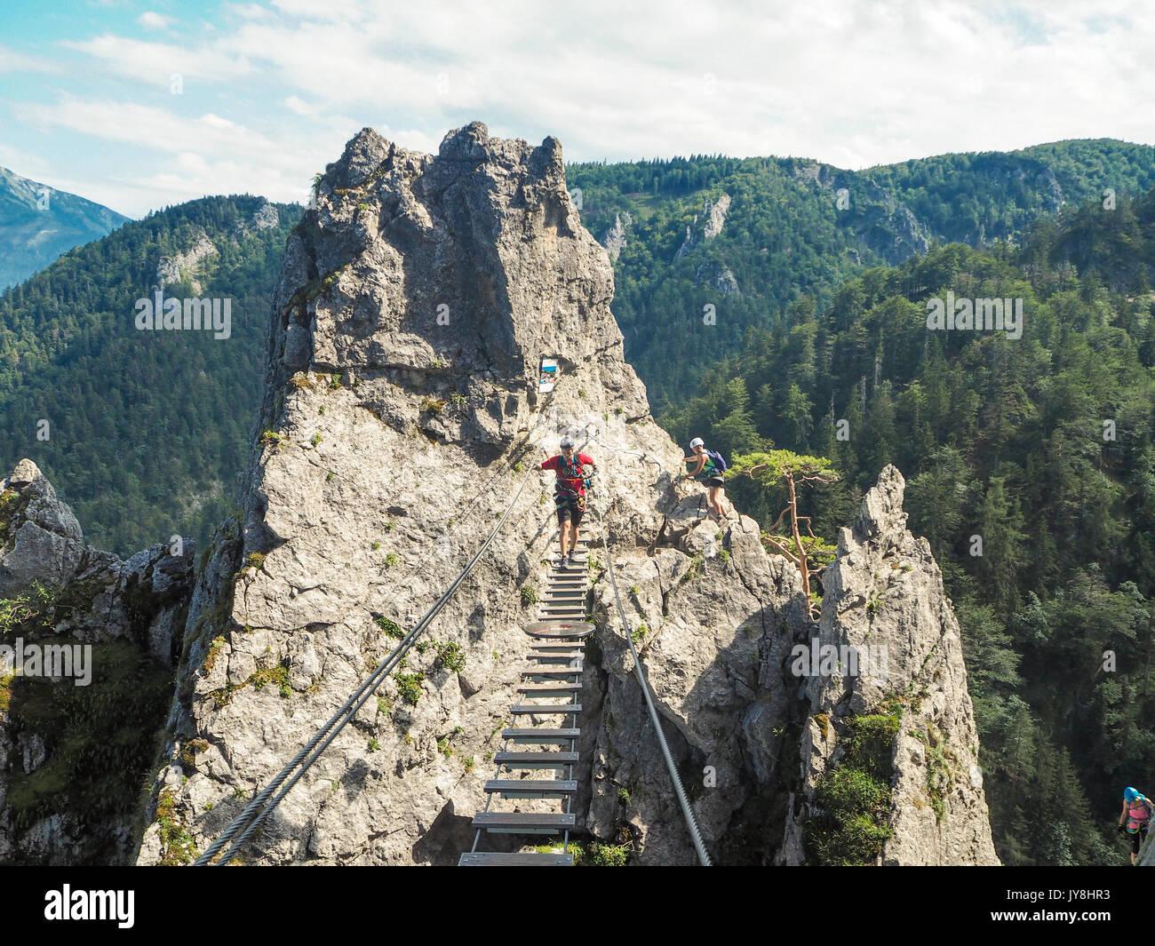 Klettersteig Mondsee : Mondsee und attersee alpen Österreich europa sommer sky