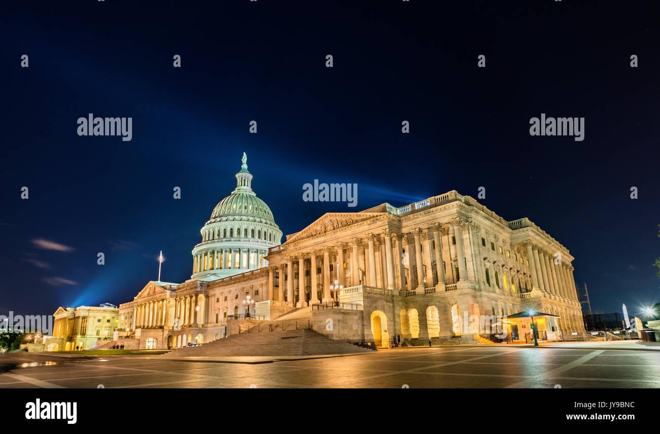 Der United States Capitol Building in der Nacht in Washington, DC Stockbild