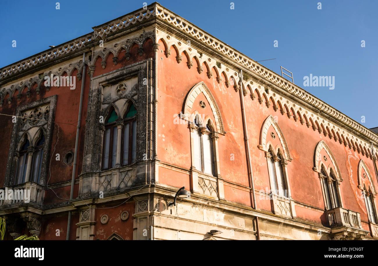 Arabisch Normannischen Architektur   Obergeschoss Haus Mit Venezianischen  Stil Bogenfenster Auf Der Insel Ortigia Siracusa, Sizilien, Italien
