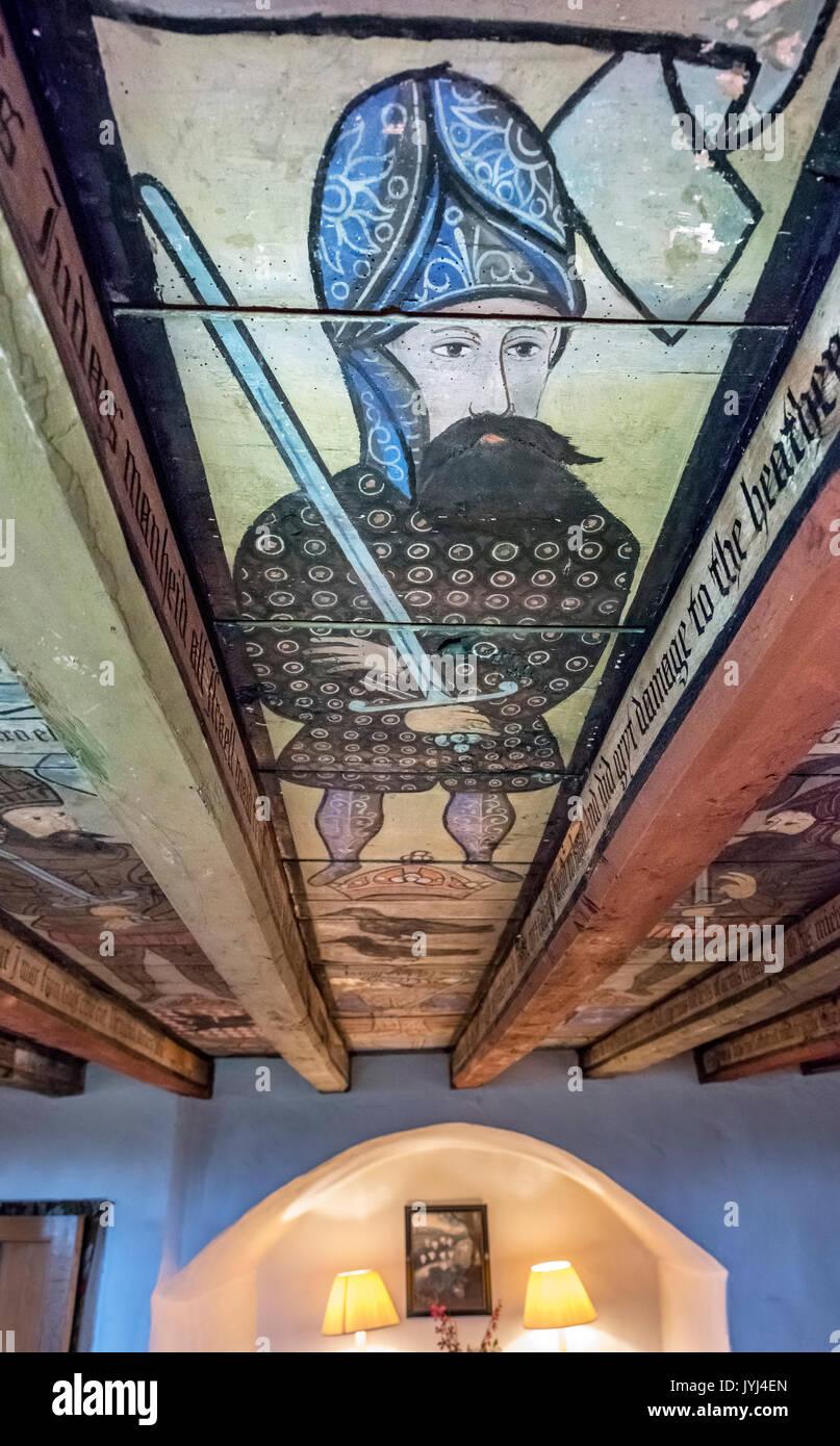 Bemalte Decke in Crathes Castle, Banchory, Aberdeenshire, Schottland, Großbritannien Stockbild