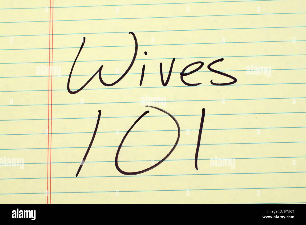 """Frauen die Worte """"101"""" auf einer gelben Legal Pad Stockbild"""