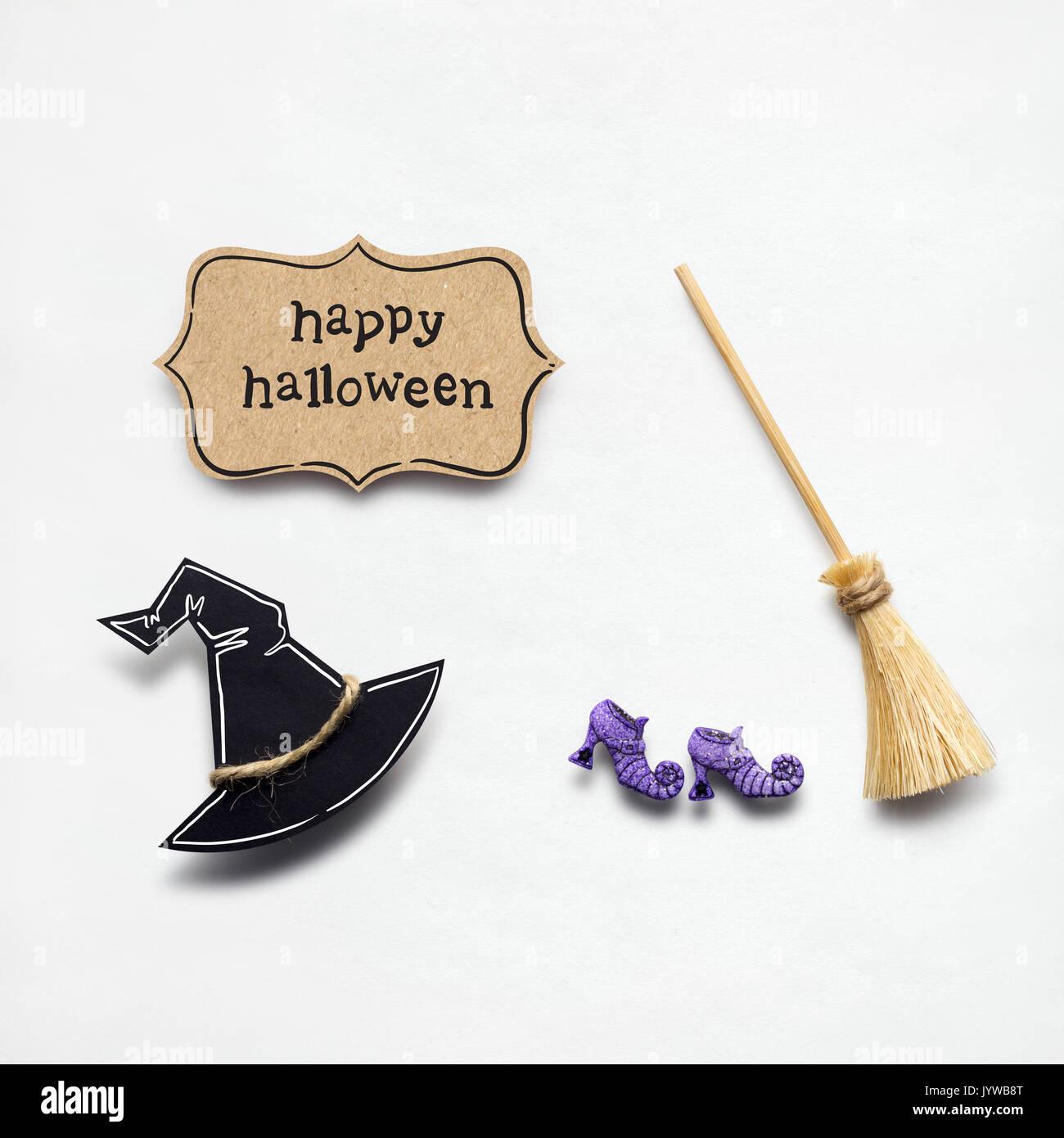 Kreative Halloween Konzept Foto Von Hexen Hut Und Besen Aus Papier