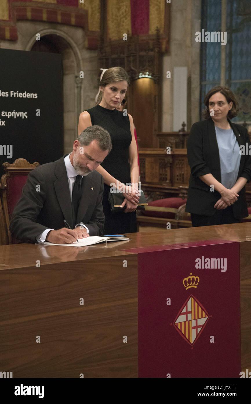 Barcelona, Katalonien, Spanien. 19 Aug, 2017. König Felipe VI. von Spanien, der Königin Letizia von Spanien Unterzeichnung Stockfoto