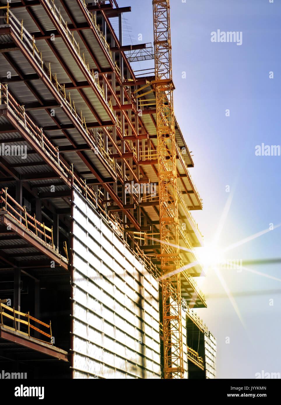 Bau des großen Gebäudes in der Ukraine Stockbild