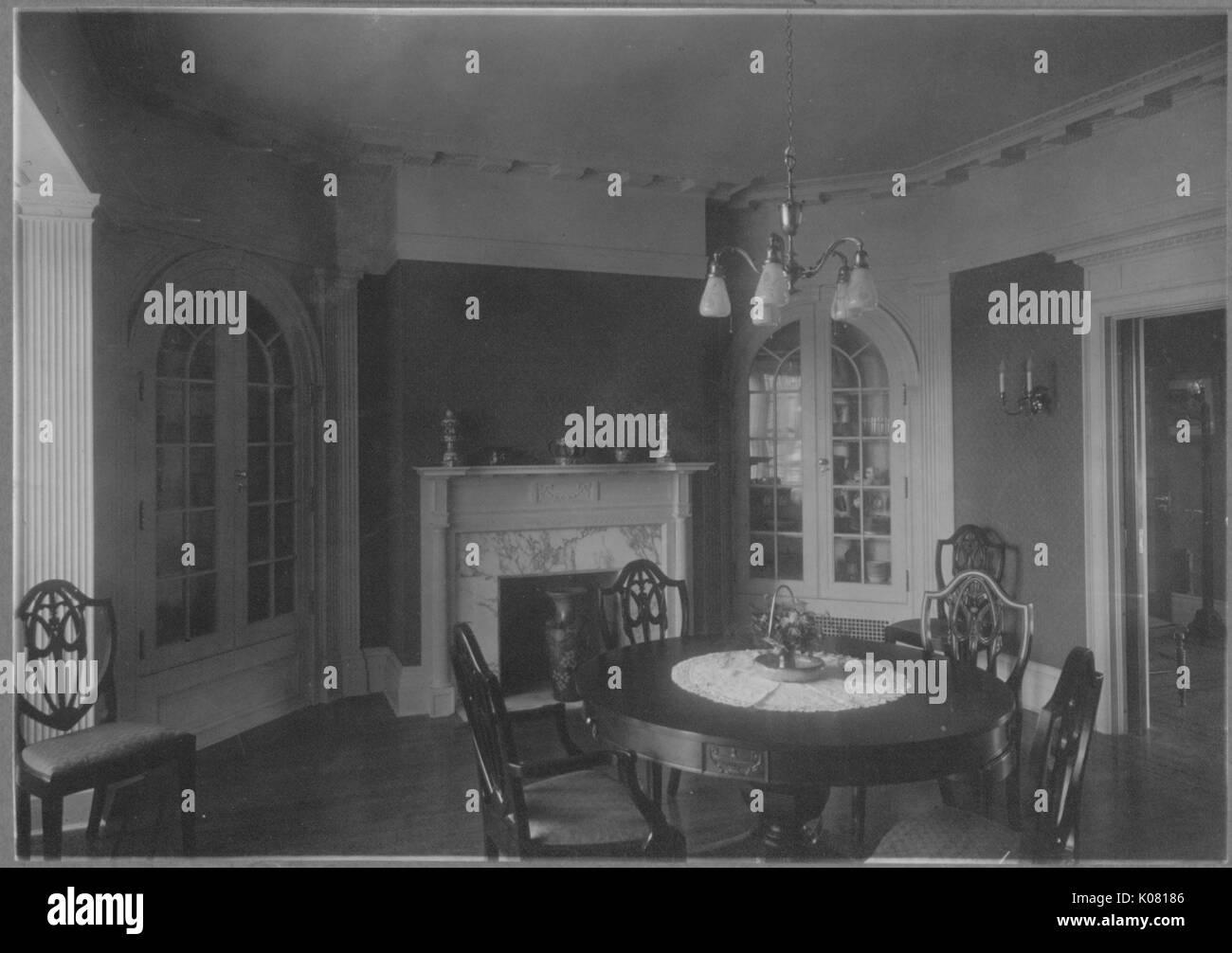 Foto: Roland Park Speisesaal in Baltimore, mit einem runden Tisch ...