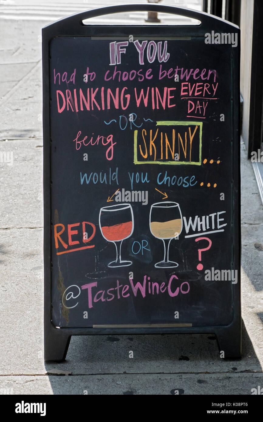 Eine lustige Zeichen außerhalb der Geschmack Wein Co ...