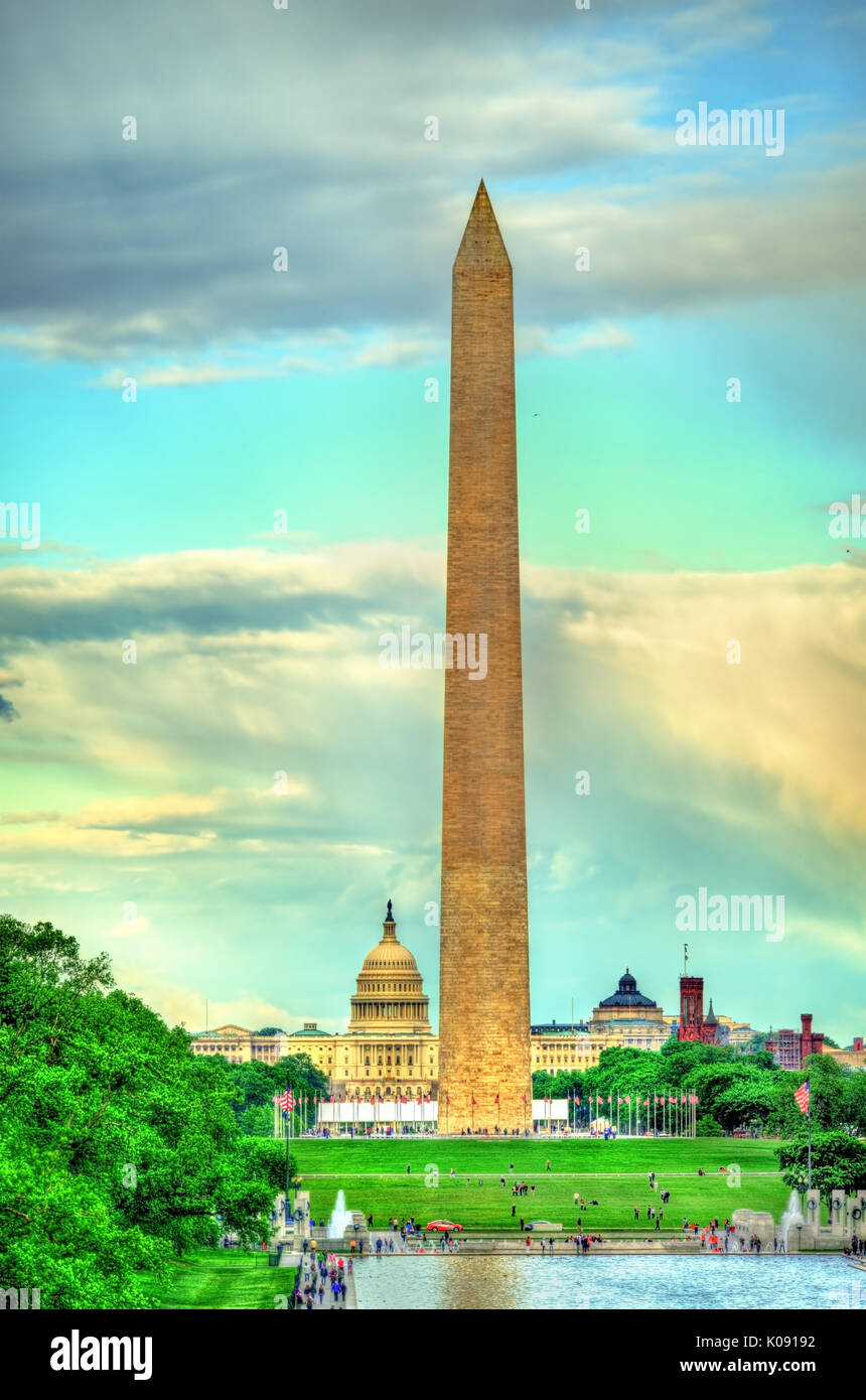 Das Washington Monument und dem Kapitol auf der National Mall in Washington, D.C. Stockbild