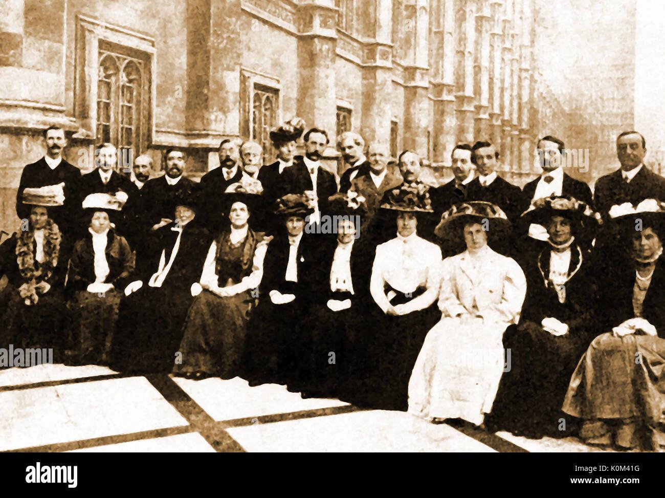 1909 - Mitglieder des Ersten Parlamentarischen Labour Party (UK) mit ihren Frauen in Deutschland Stockbild