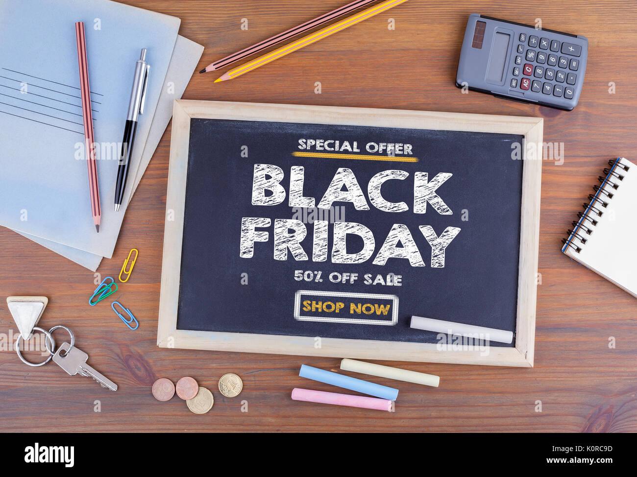 Schwarzer Freitag Verkauf Schiefertafel Auf Holz Büro Schreibtisch