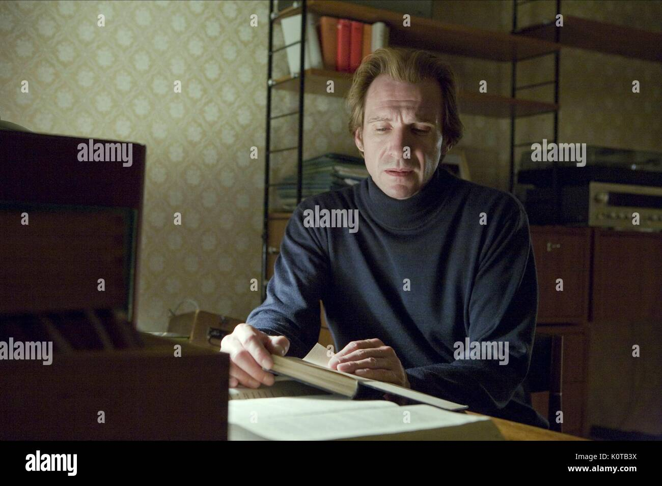 RALPH FIENNES DER VORLESER (2008) Stockbild
