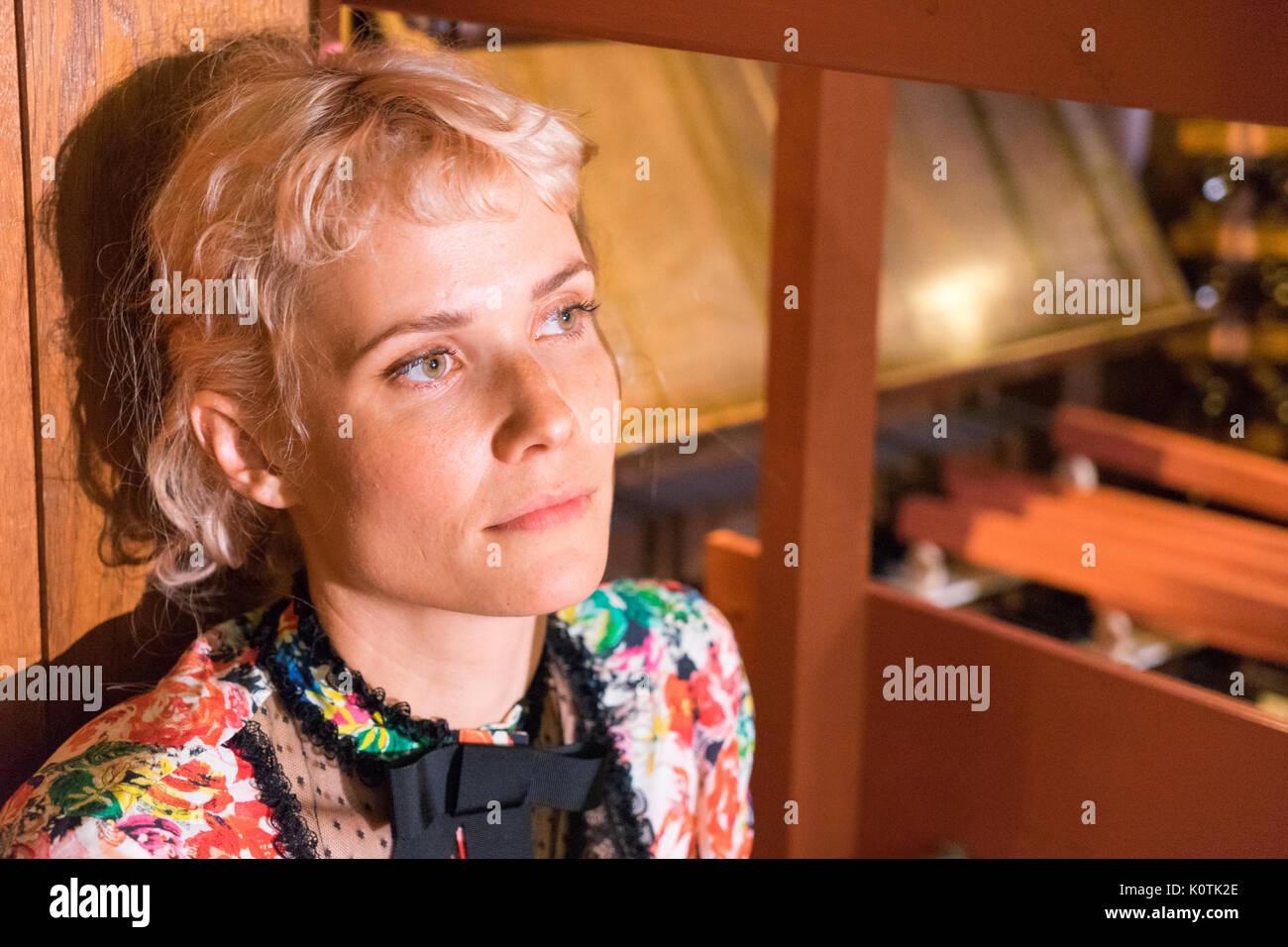 Oh Land, Dansk Theologe, Musiker, Sanger, danser og Hersteller/Oh Land aka Nanna Øland, dänischer Komponist, Musiker, Sänger, Tänzer und Produzent Stockbild